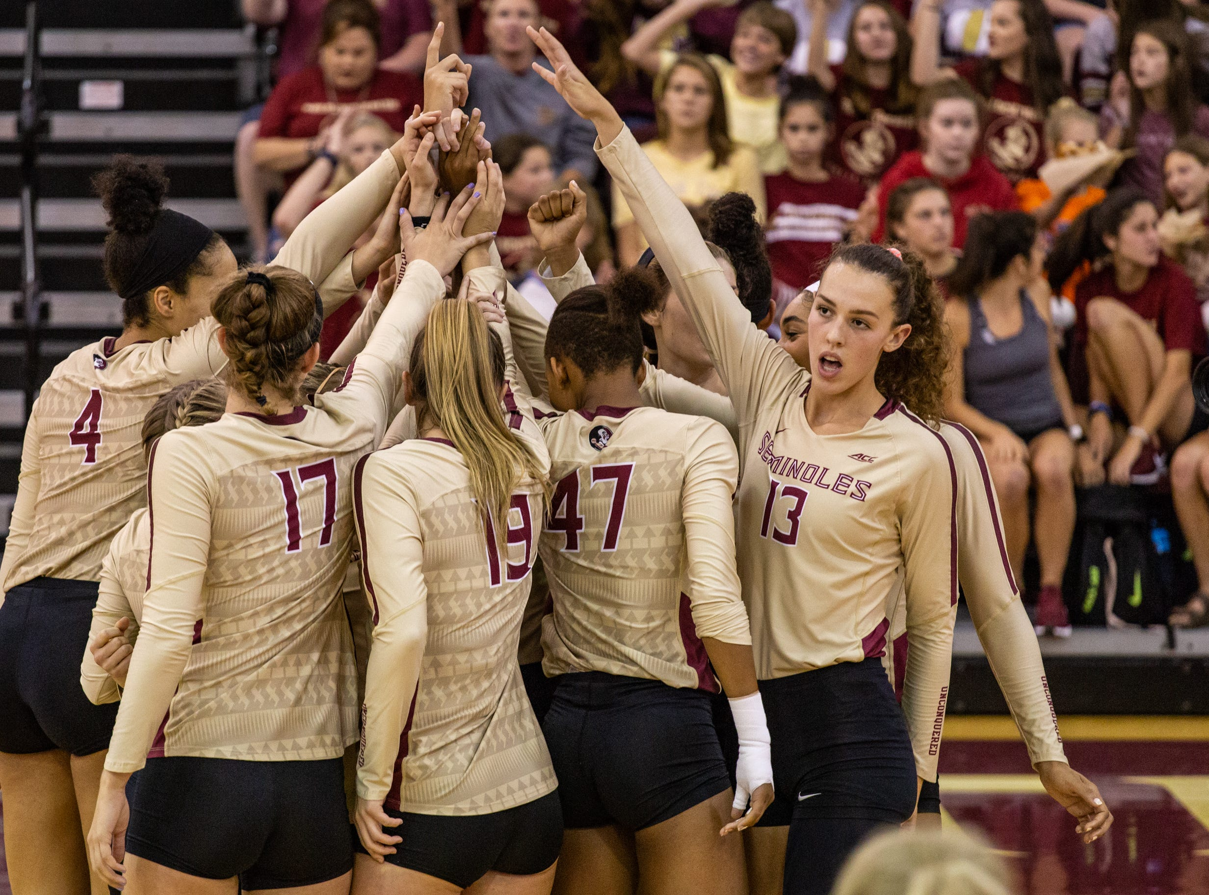 The Florida State volleyball team fell to UF 4-1 in a non-conference game on Wednesday, September 12, at Tully Gymnasium.