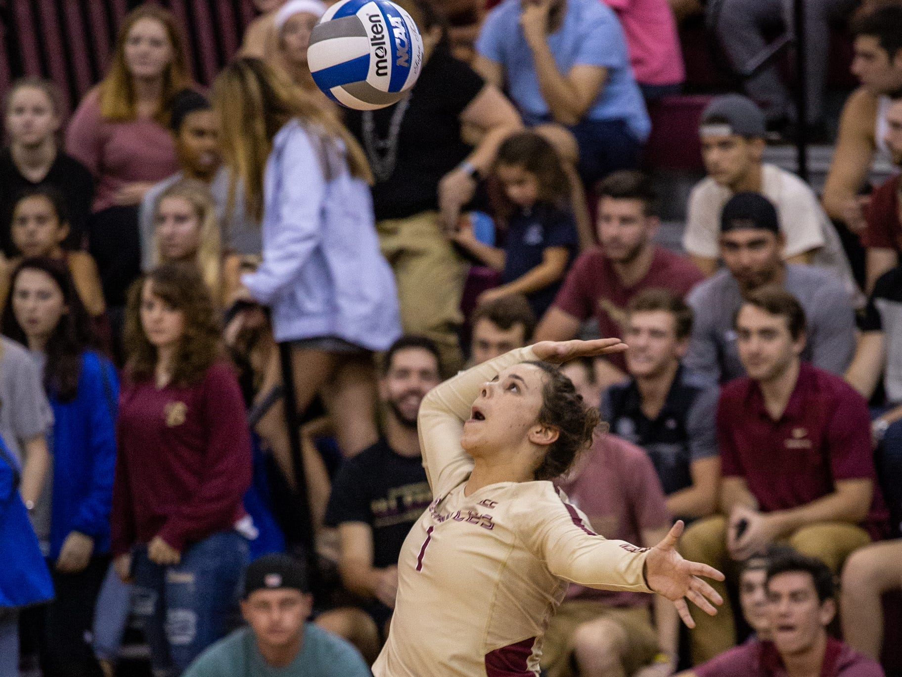 FSU Volleyball Libero Taylor Roberts (1)  serves at the game against Florida held at Tully Gymnasium on Wednesday.