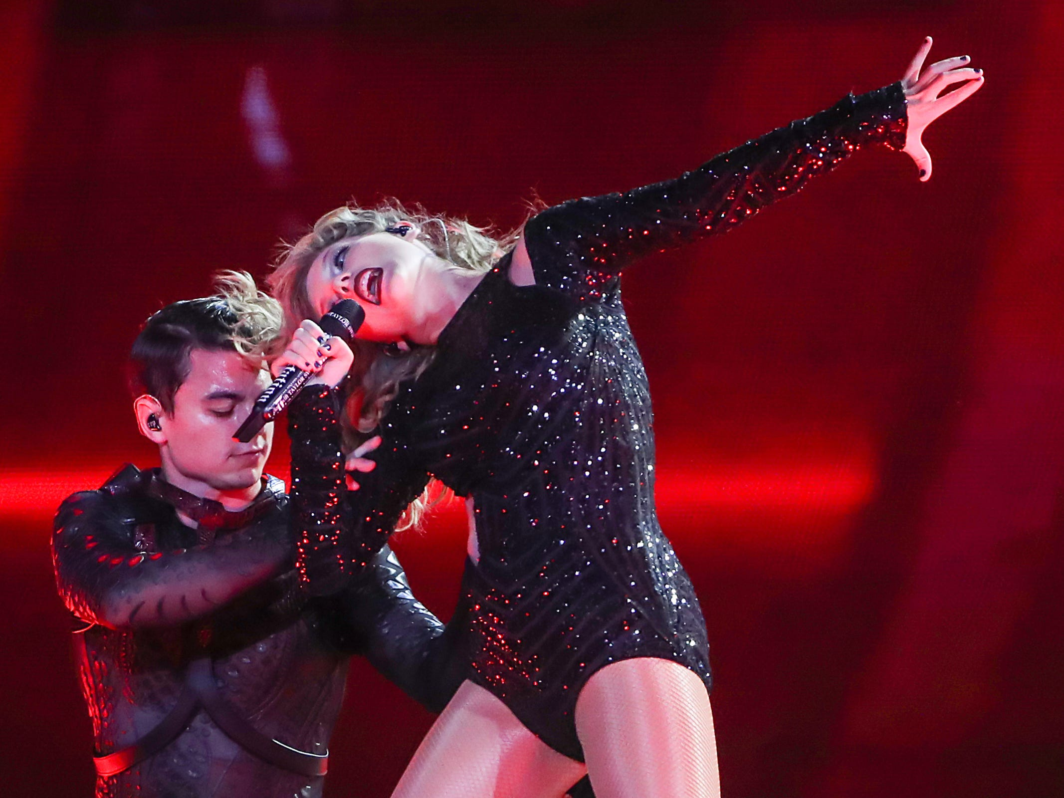 """Taylor Swift performs at Lucas Oil Stadium in Indianapolis, on her """"Reputation"""" stadium tour, Saturday, Sept. 15, 2018. The show is 2018Õs biggest single-day concert in Indianapolis."""