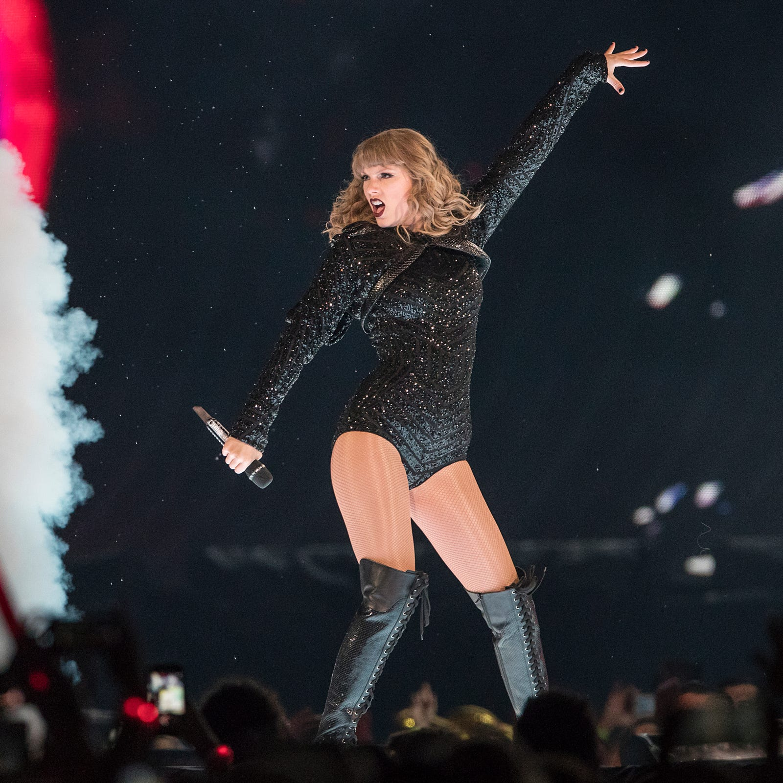 4 ways Taylor Swift aced her stadium challenge in Indianapolis