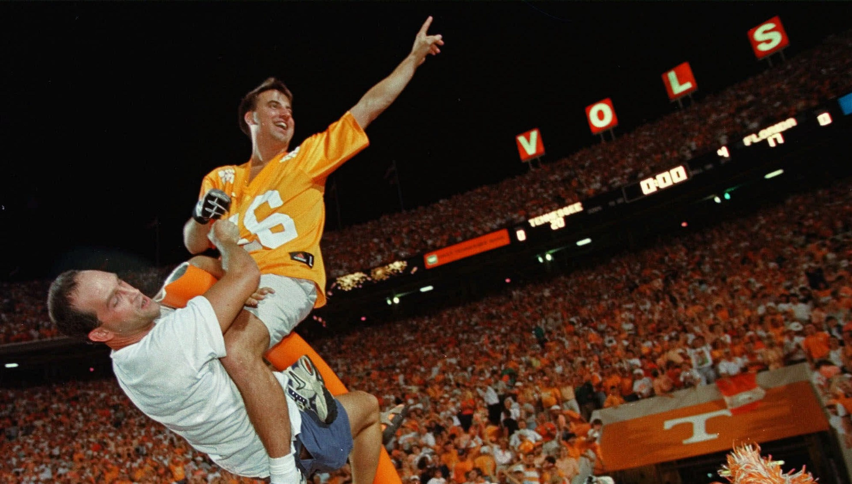 0f98334d675 Vols football  Want to relive the 1998 overtime win against Florida  This  is your chance.