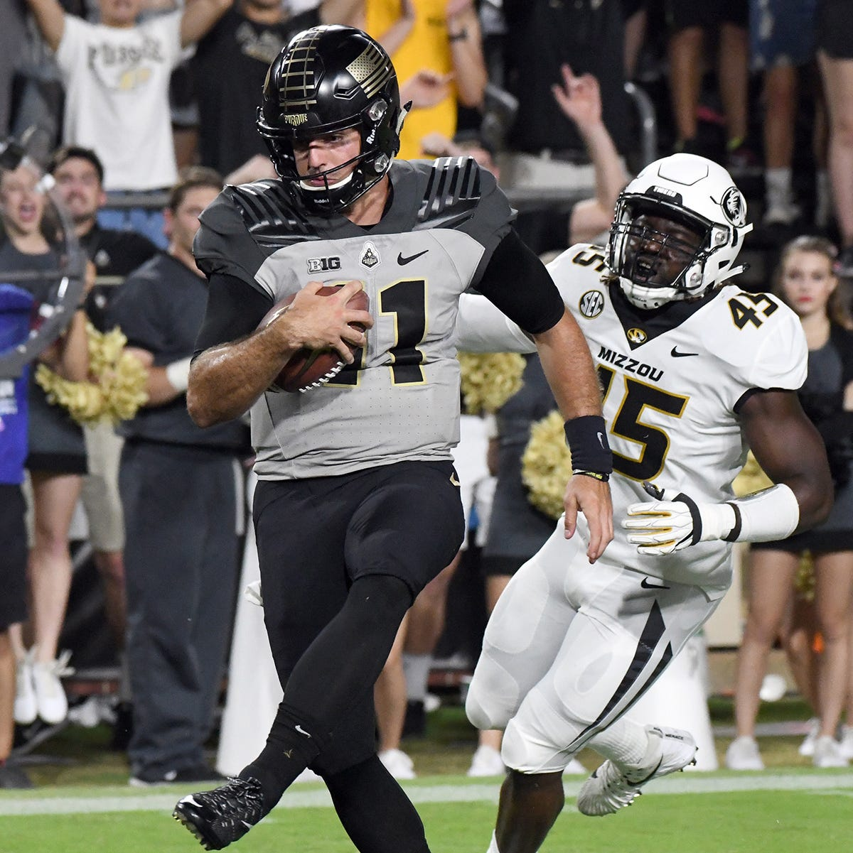 Sideline conversation ignites Purdue quarterback David Blough to record-setting game