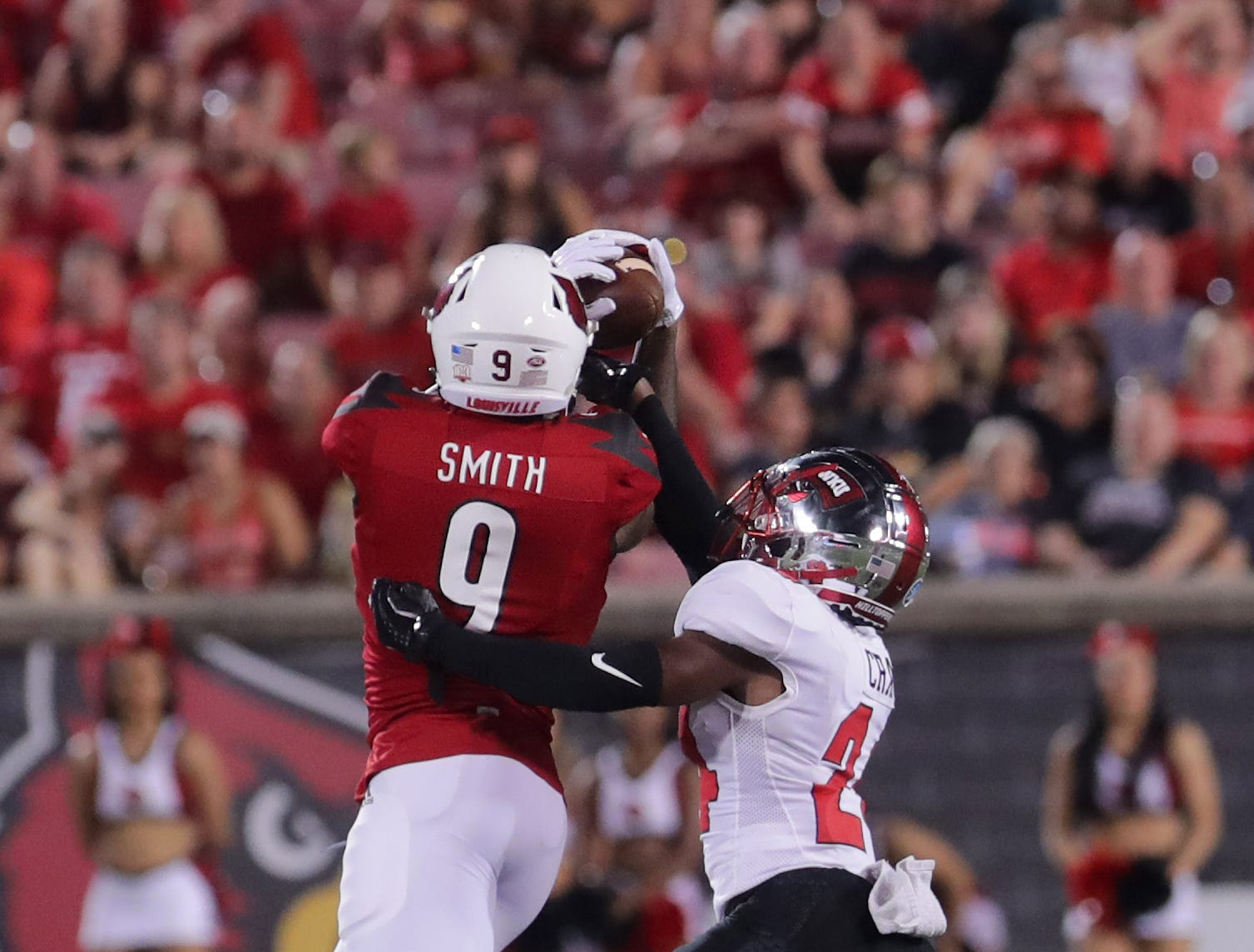 Louisville's Jaylen Smith grabs the catch for a first down.  Sept. 15, 2018