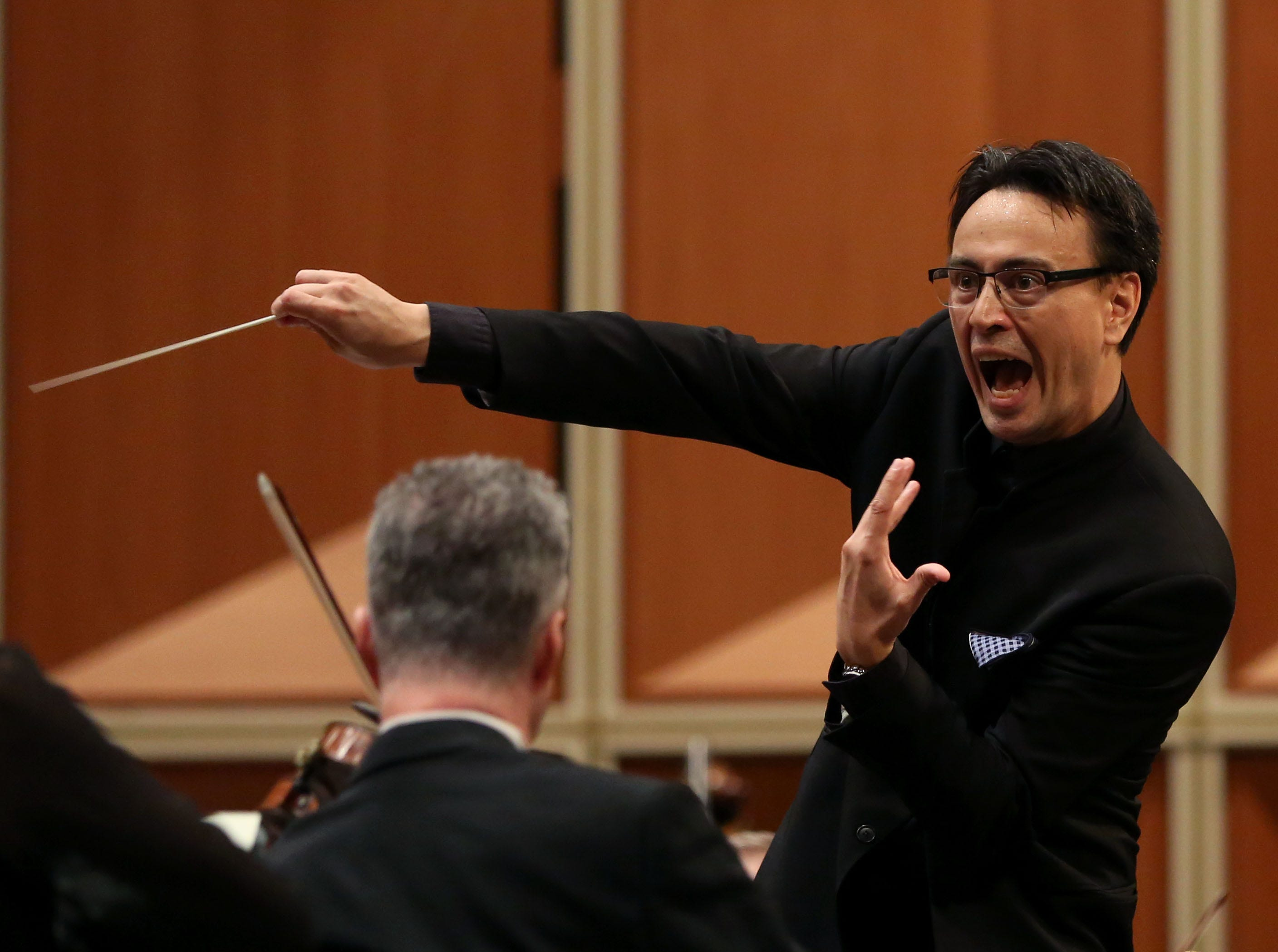 Guest conductor Ken-David Masur leads the Milwaukee Symphony's season-opening concert Saturday at the Marcus Center's Uihlein Hall.