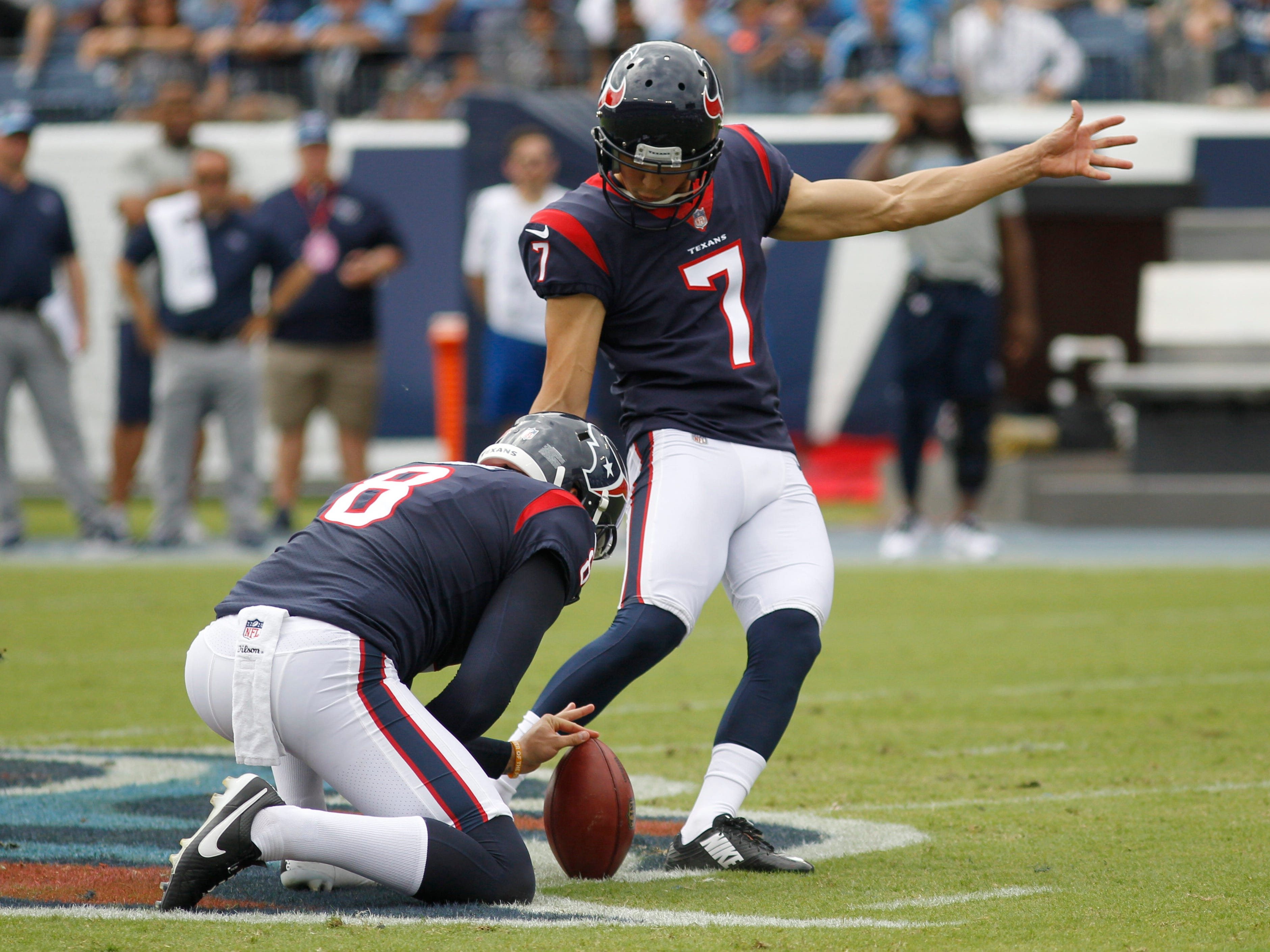 Texans place kicker Ka'imi Fairbairn (7) misses a field goal attempt in the first half at Nissan Stadium Sunday, Sept. 16, 2018, in Nashville, Tenn.