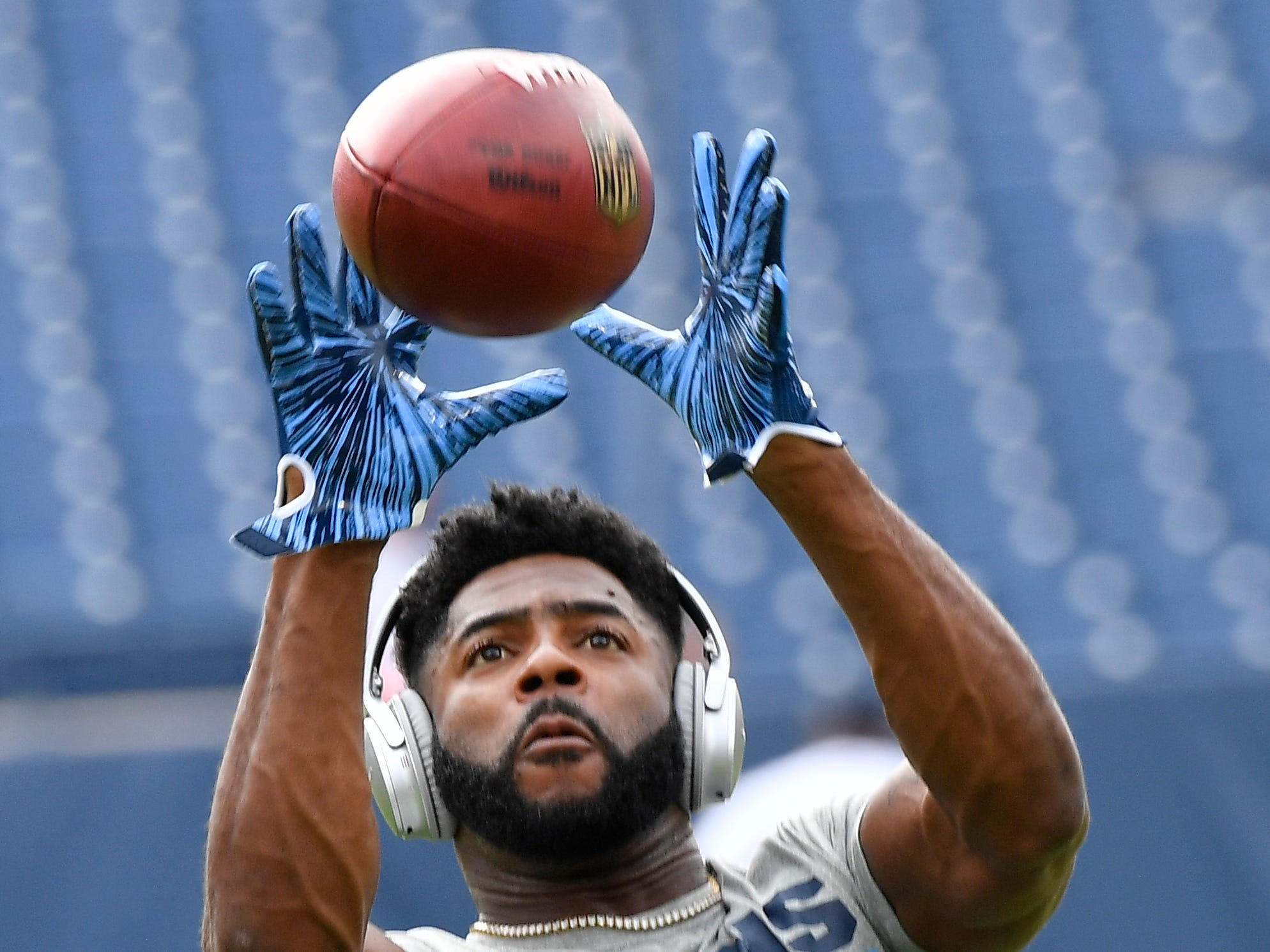 Titans cornerback Malcolm Butler (21) pulls in a catch before the game at Nissan Stadium Sunday, Sept. 16, 2018, in Nashville, Tenn.