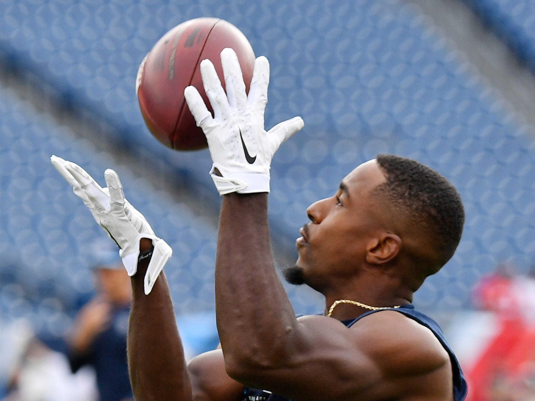 Titans wide receiver Darius Jennings (15) makes a catch during warmups before the game against the Texans at Nissan Stadium Sunday, Sept. 16, 2018, in Nashville, Tenn.
