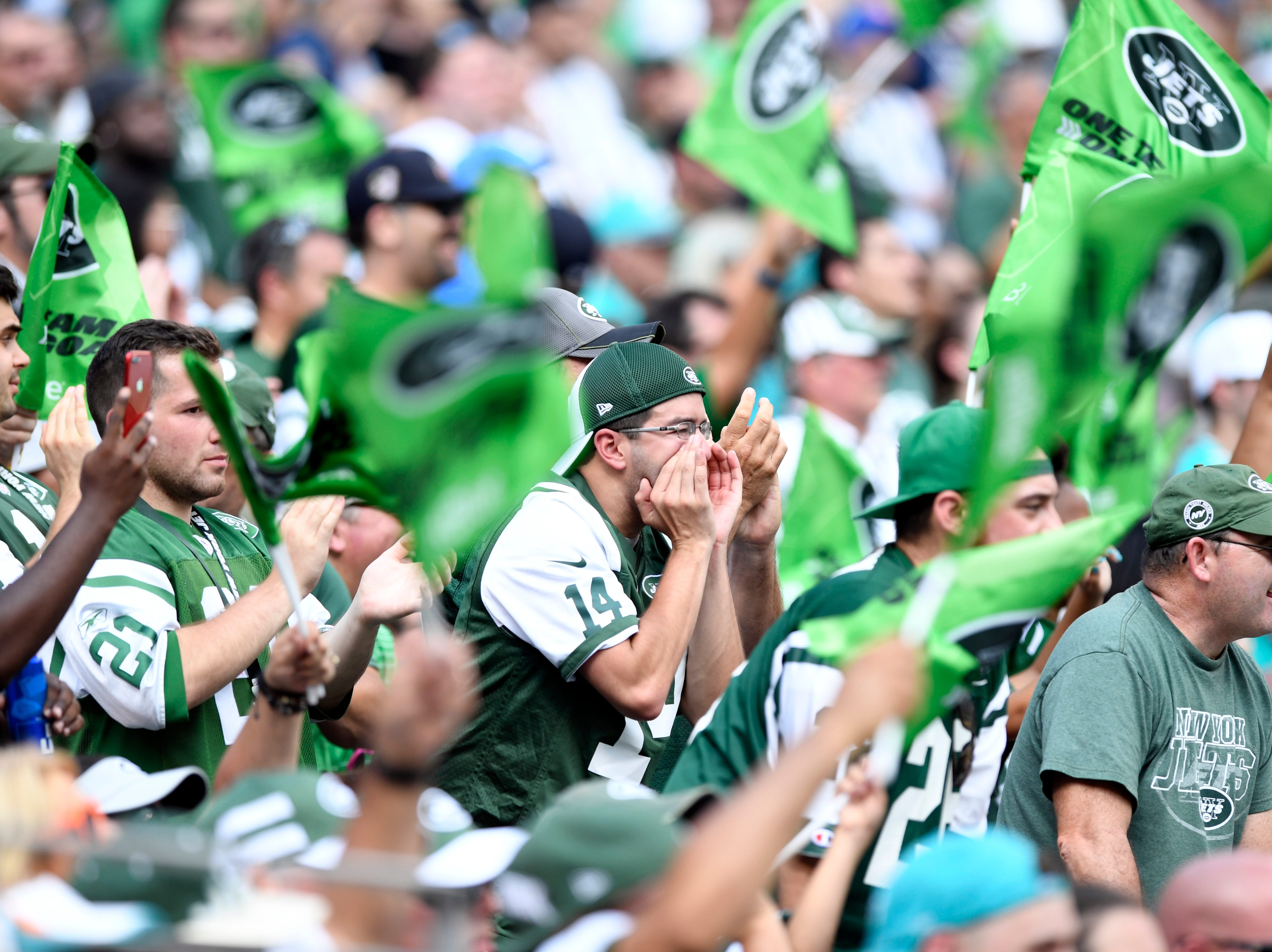 Jets fans cheer for their team as they face the Miami Dolphins in Week 2 at MetLife Stadium in East Rutherford, NJ on Sunday, September 16, 2018.