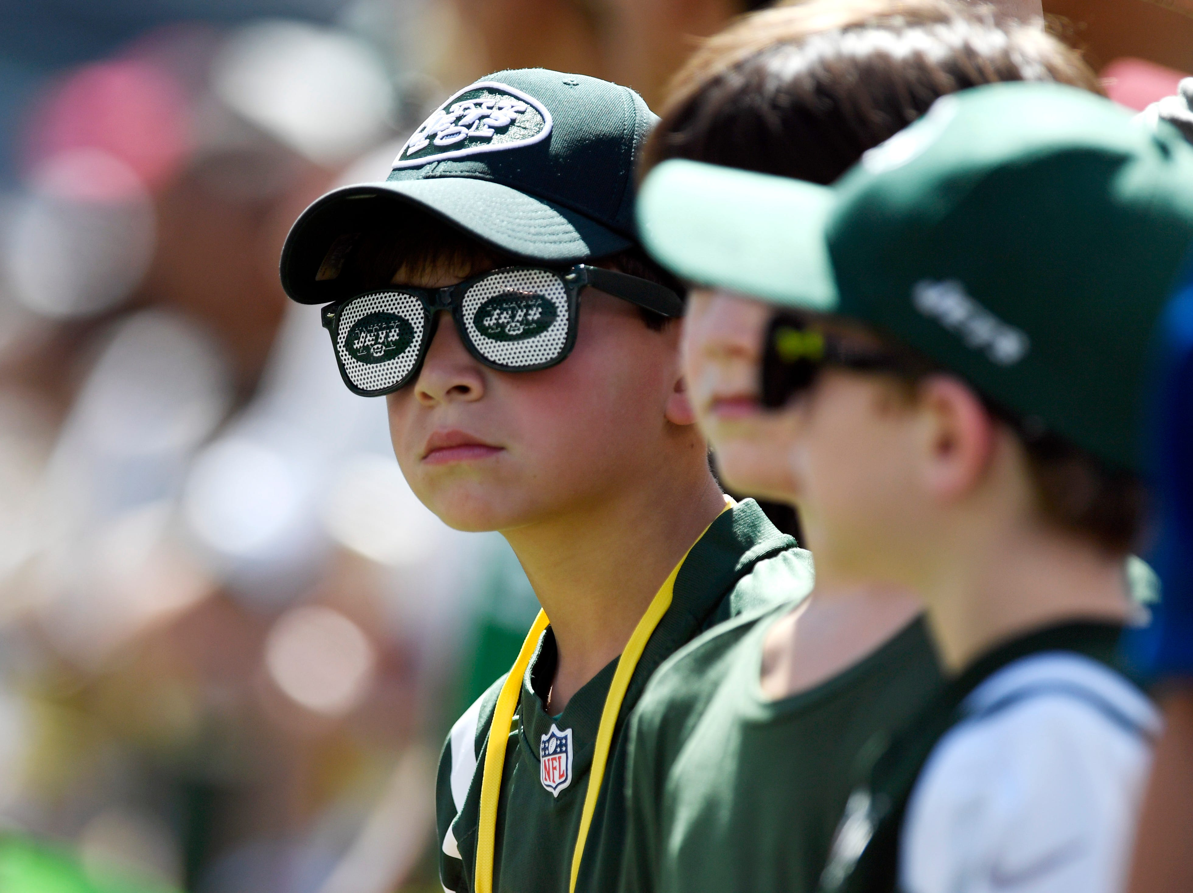 Young Jets fans on the sideline before the game. New York Jets face the Miami Dolphins in Week 2 at MetLife Stadium in East Rutherford, NJ on Sunday, September 16, 2018.