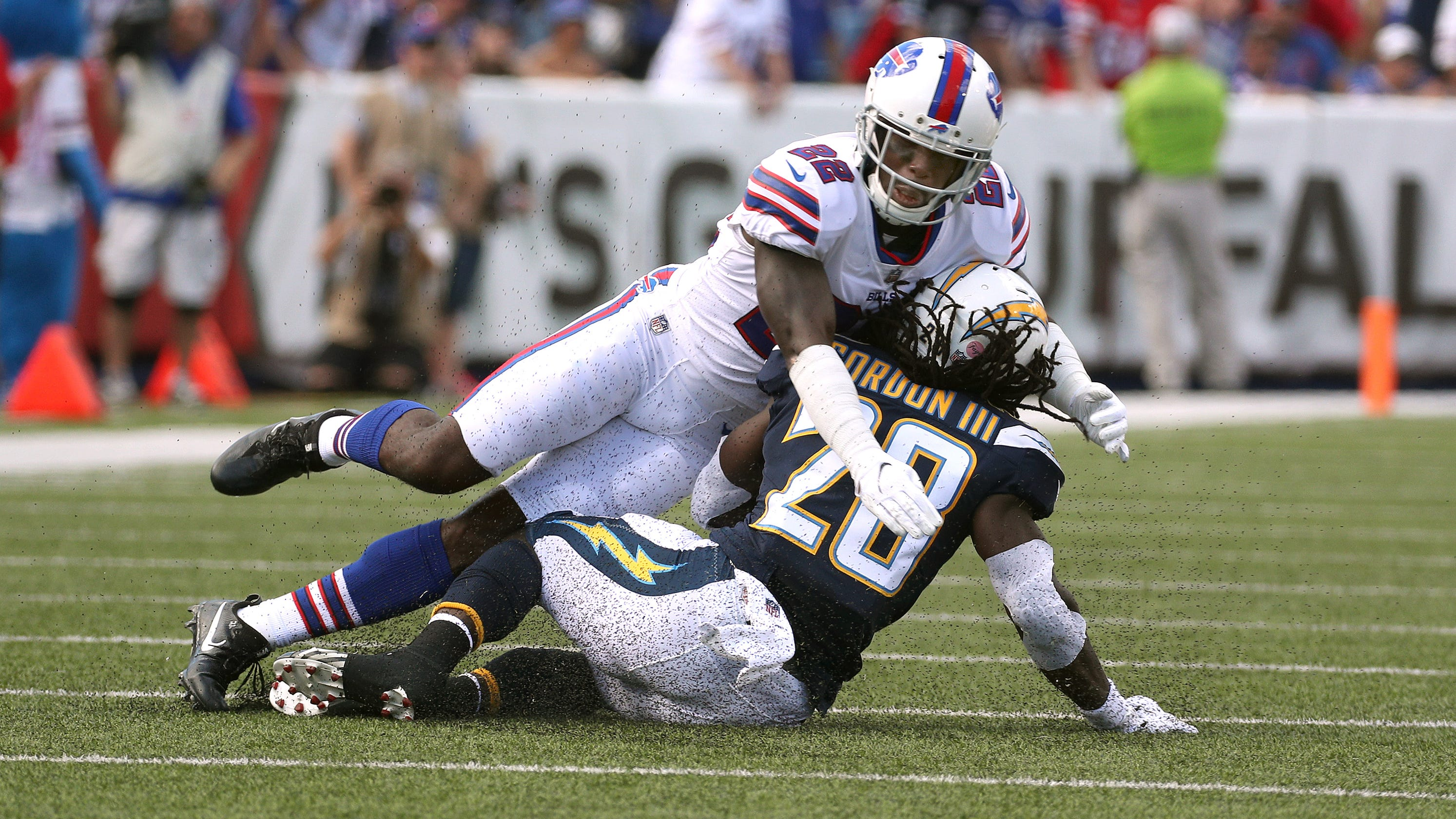 Teammates appalled as Vontae Davis quits Buffalo Bills at halftime of loss  to Chargers 172b9419d