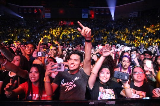A hometown crowd of predominantly teens and young adults filled the Don Haskins Center to capacity for the second concert of singer-song writer Khalid Saturday.
