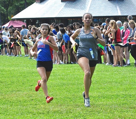 Carmels Rebecca Monge L Sprints To Retake Lead On Holy Childs Dannie Bell In Class B Race