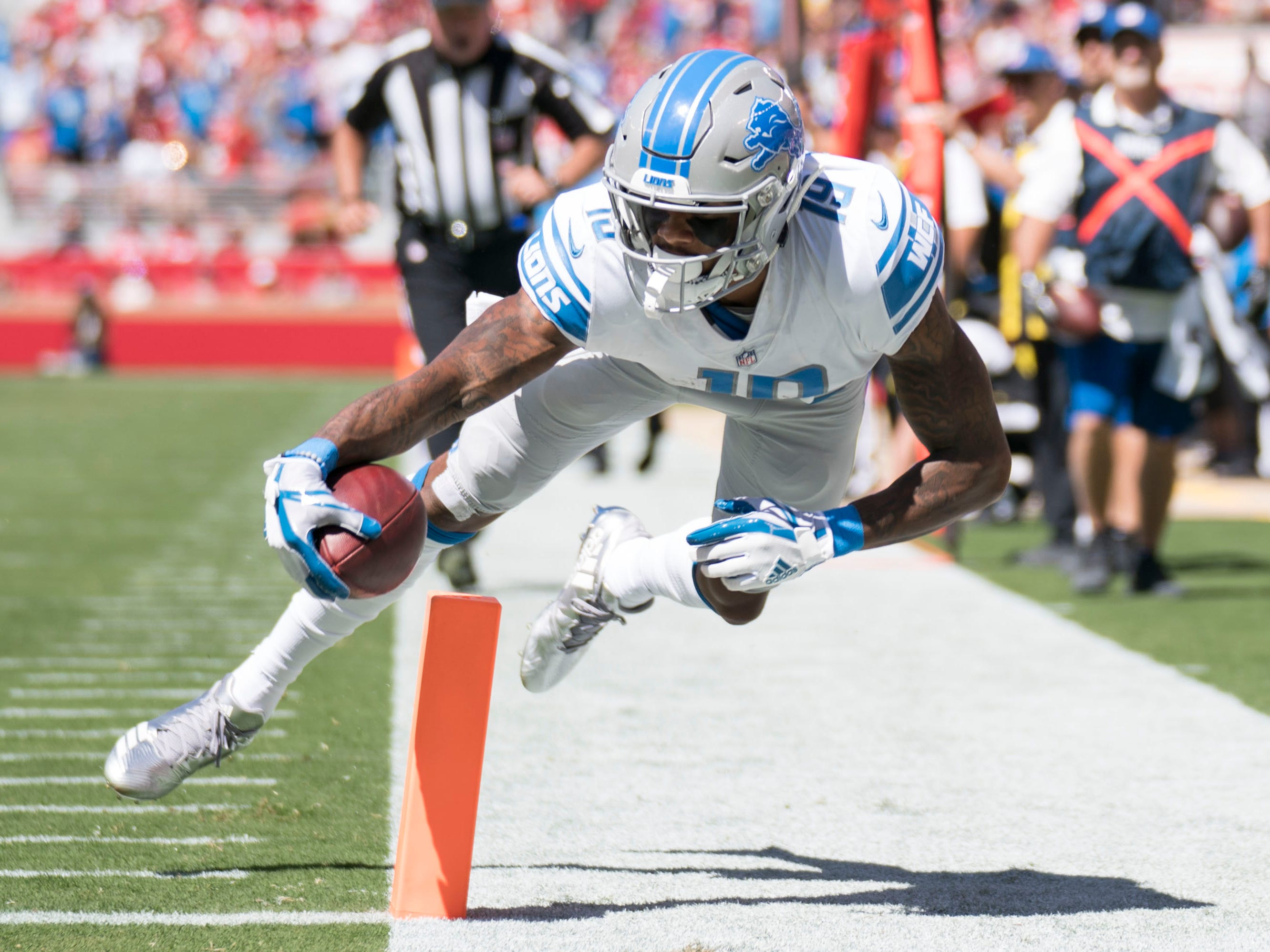 September 16, 2018; Santa Clara, CA, USA; Detroit Lions wide receiver Kenny Golladay (19) scores a touchdown against the San Francisco 49ers during the first quarter at Levi's Stadium. Mandatory Credit: Kyle Terada-USA TODAY Sports