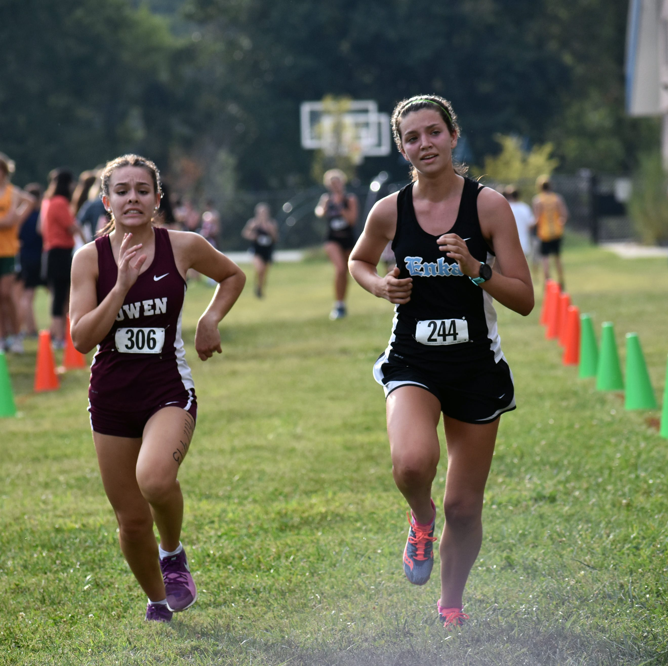 Warlassies lean on young core to return to state championship meet