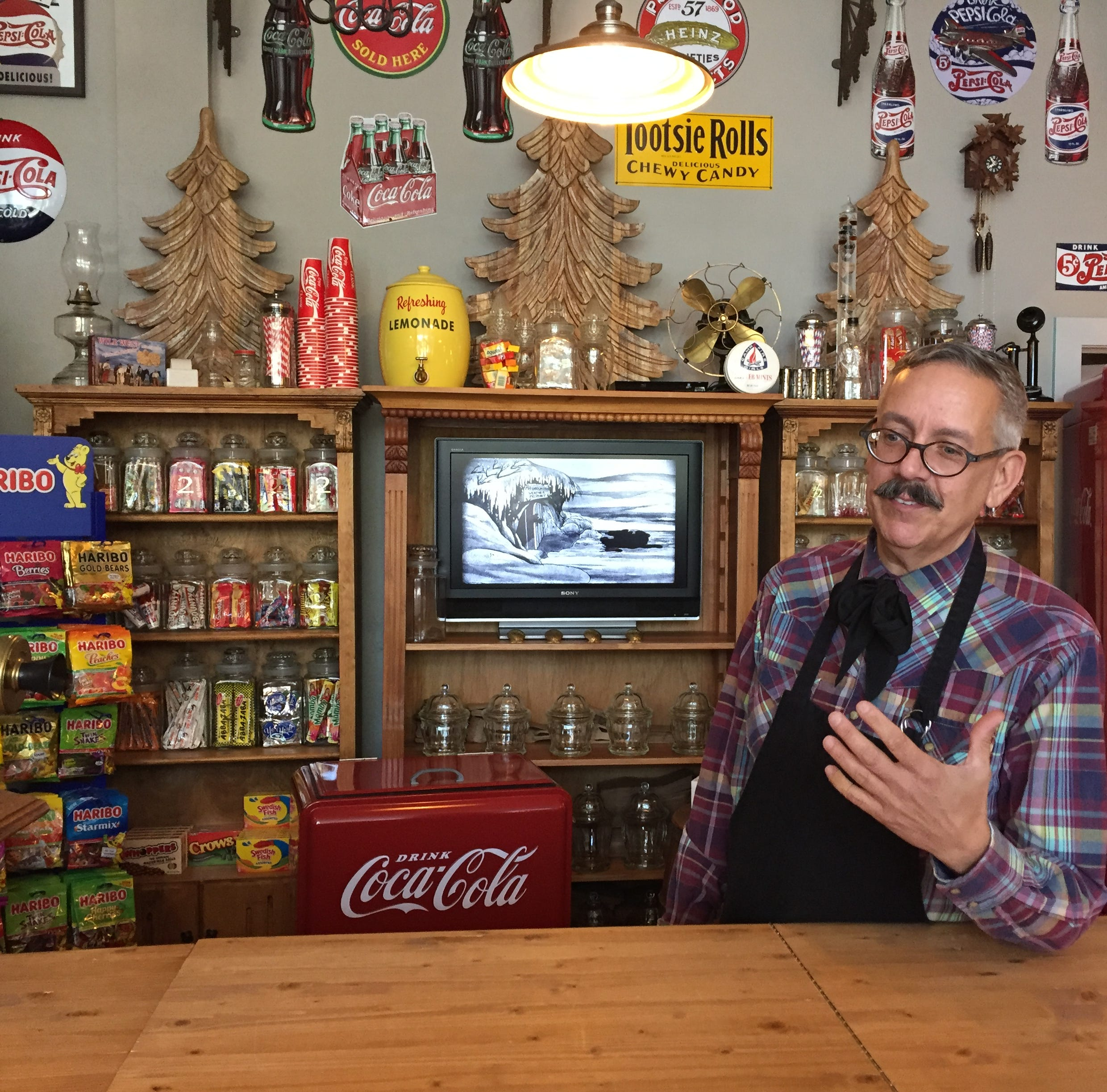 'Mr. Candy Man' brings old-fashioned candy store to Old Town