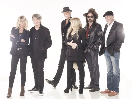 Fleetwood Mac Bankers Life Fieldhouse Neil Finn Mike Campbell