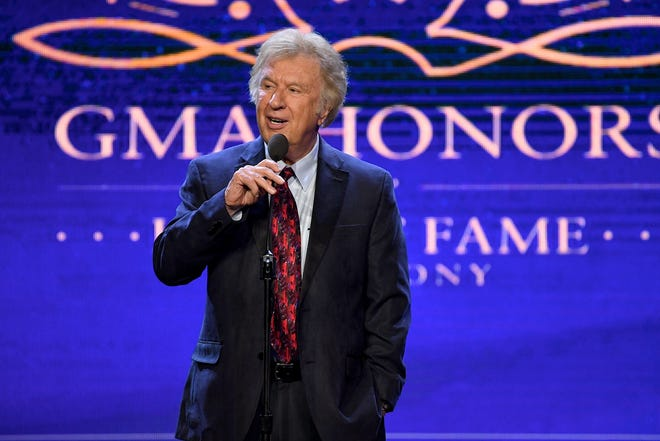 Bill Gaither will co-host Gaither Fall Fest Sept. 21-22 in Alexandria.