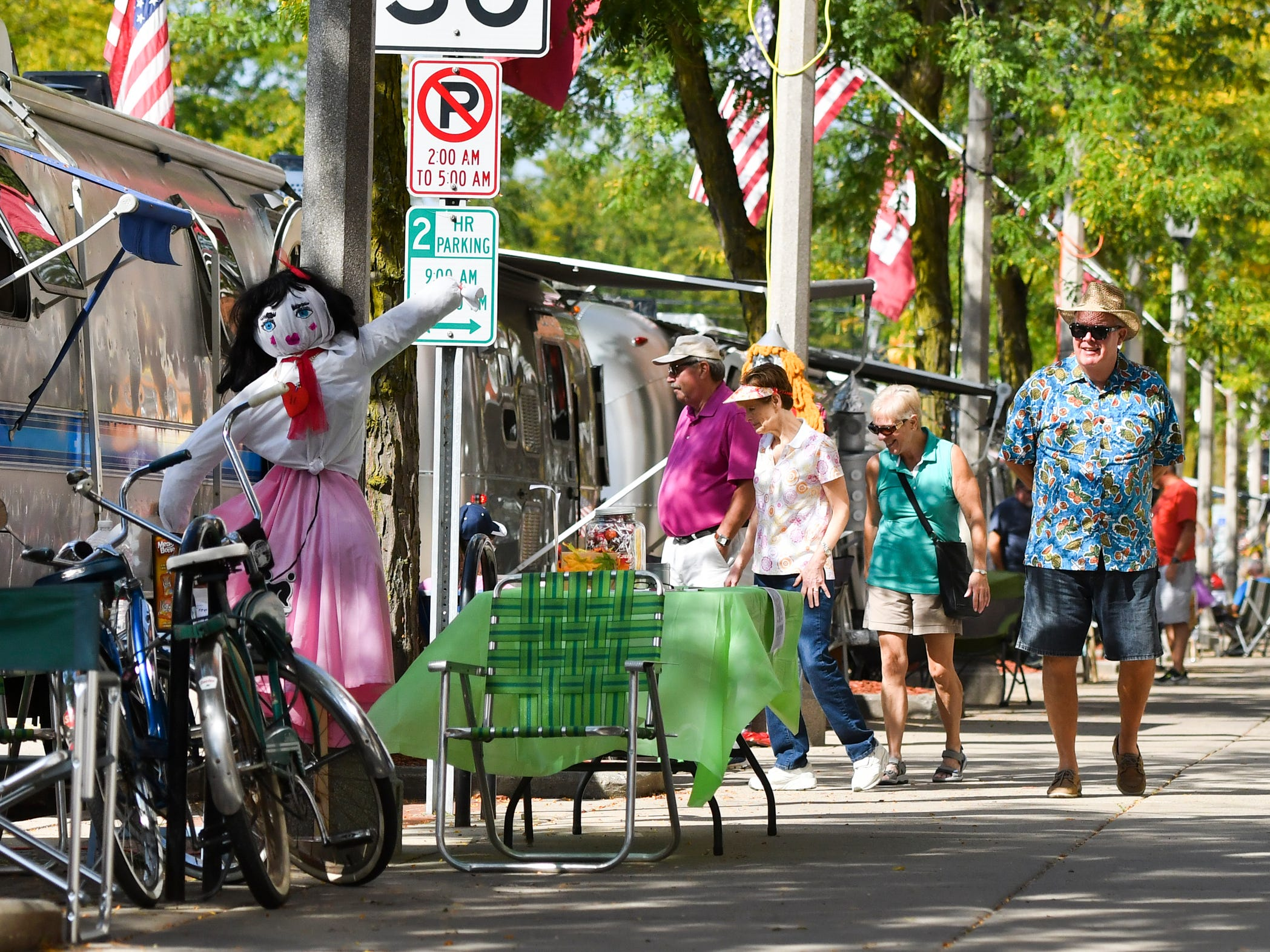 "The 7th annual Eaton Rapids Air event (formerly Urban Air) took place Sept. 13 - 15.  Over 100 Airstream motor homes lined Main St. in downtown Eaton Rapids.  This year's theme was ""Wizard of Oz,"" and campers decorated their home-away-from-home in regalia from the Wizard of Oz."