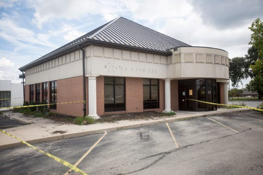 Taco Bell has plans to take over the location at 1001 E. McGalliard Road. The location previously held Old National Bank.