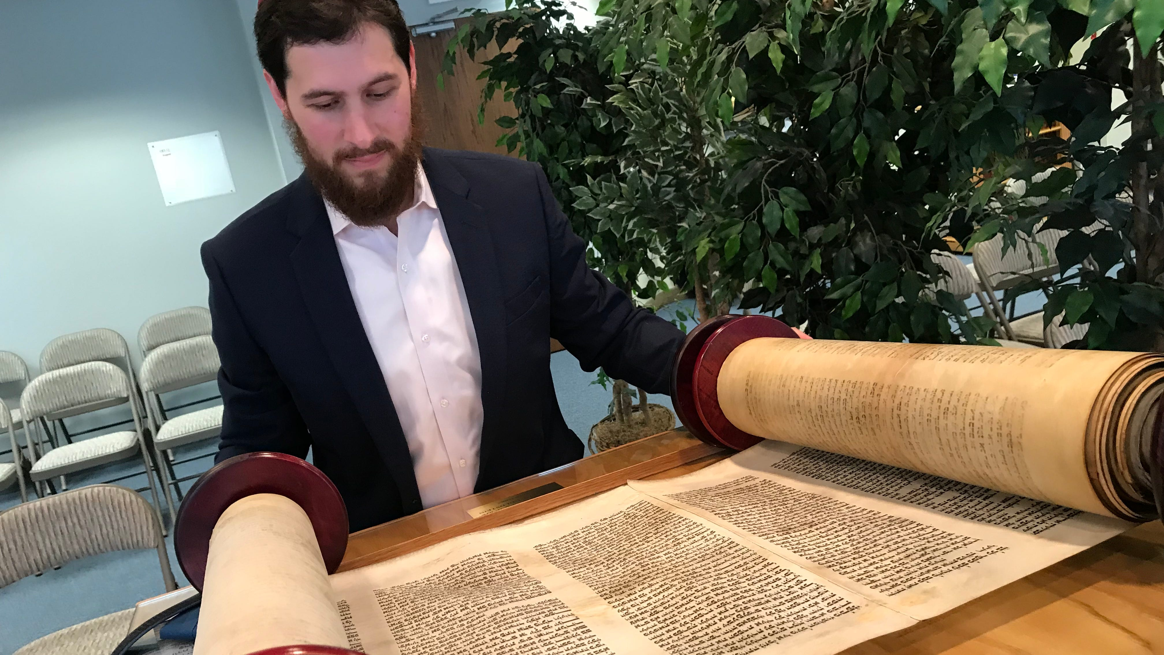 Torah saved from Nazi destruction by 14-year-old will be in NJ for Yom Kippur