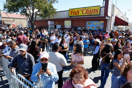 The Cultural Committee of Salinas (Comite Cultural De Salinas) hosted its annual El Grito  Festival on the corner of East Alisal Street and South Madeira Avenue to celebrate Mexican Independence Day on Sunday, September 16, 2018 in Salinas, Calif.
