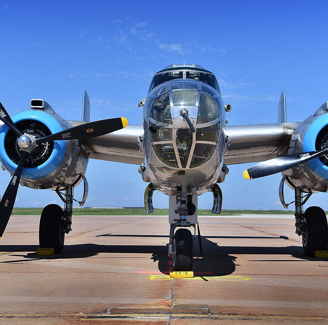 B-25 'Maid in the Shade' arrives in Wichita Falls