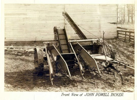New Idea's first corn picker from 1926 was the first to use power take off, using John Powell's invention.