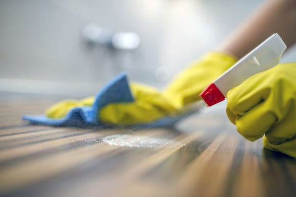 A study published in the Canadian Medical Association Journal suggests that common household disinfectants are linked to overweight children.