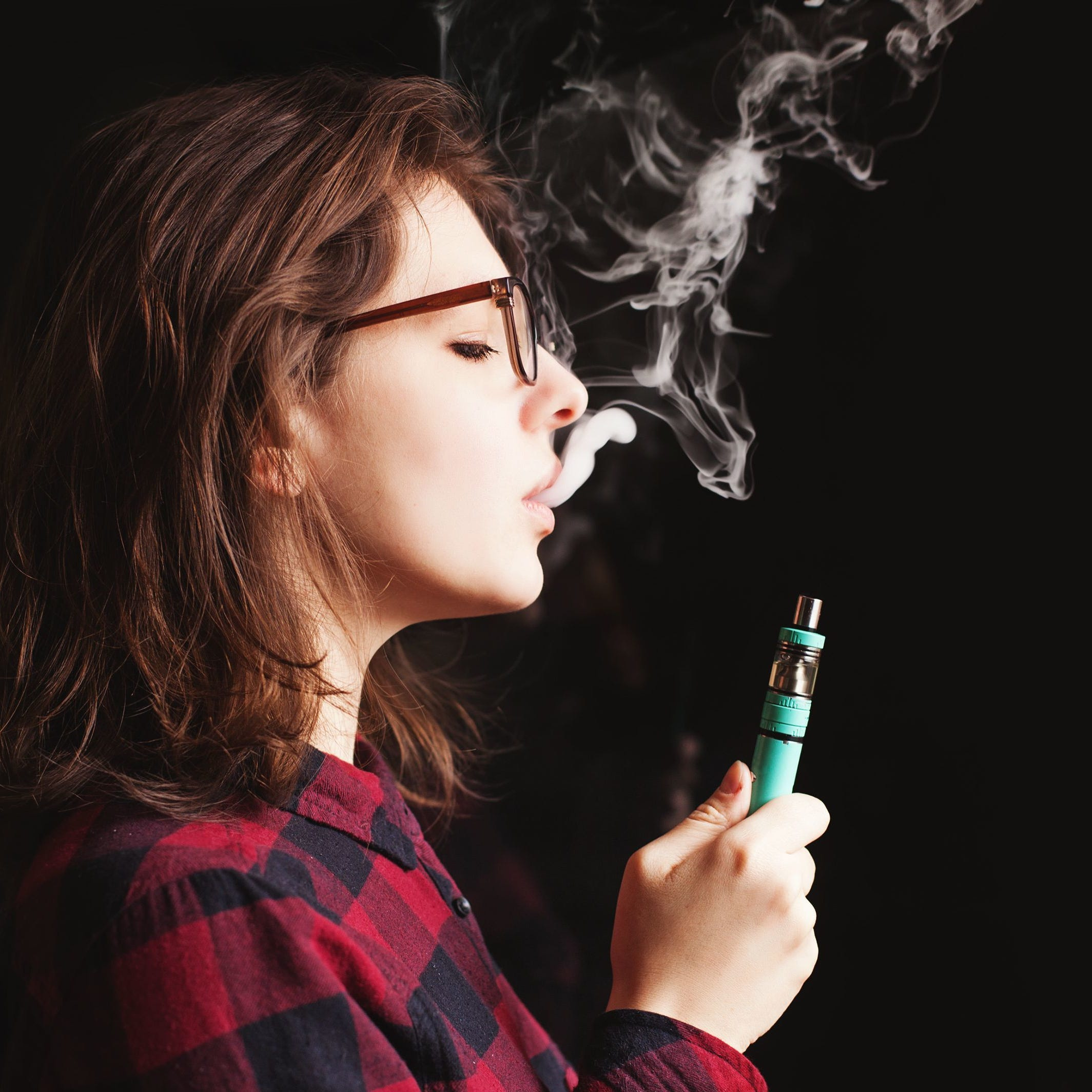E-cigarettes: Rapid rise in teen vaping alarms health professionals