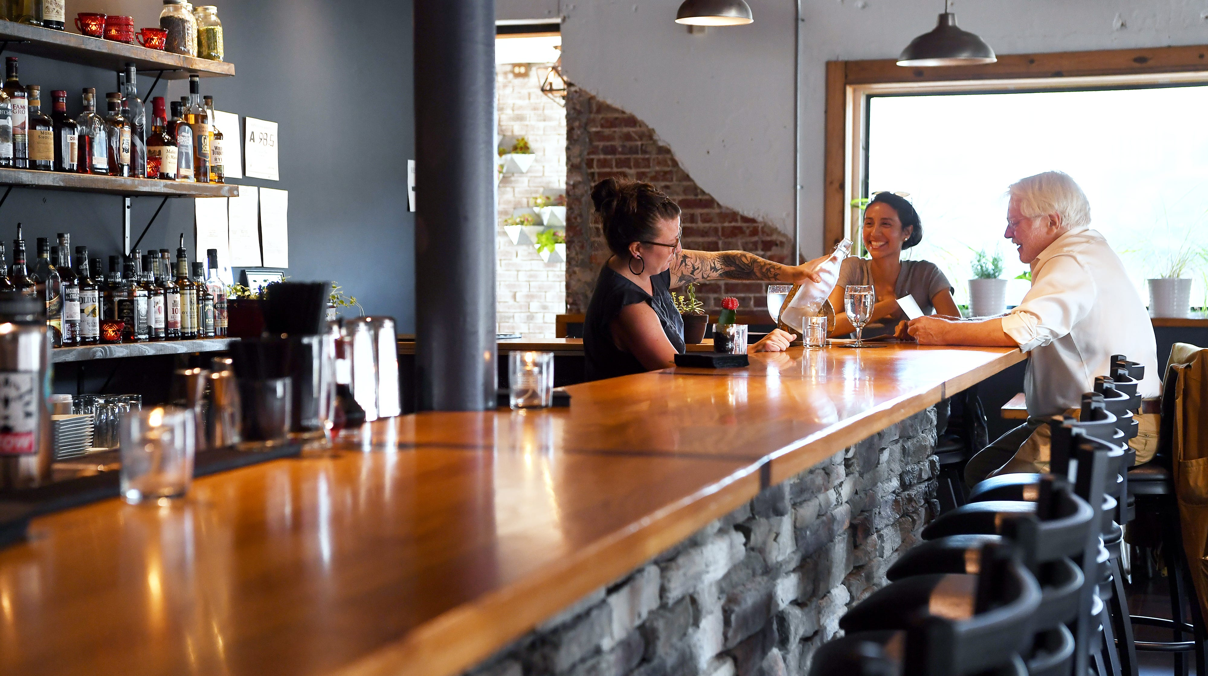 Dining review: The Scarlet Bee is inviting in North Asheville