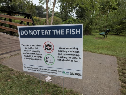 Huron River Fish Advisory Sign