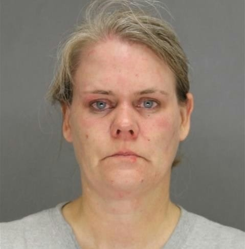Green Bay woman charged after foiled attempt to rob Howard pizza shop with finger gun