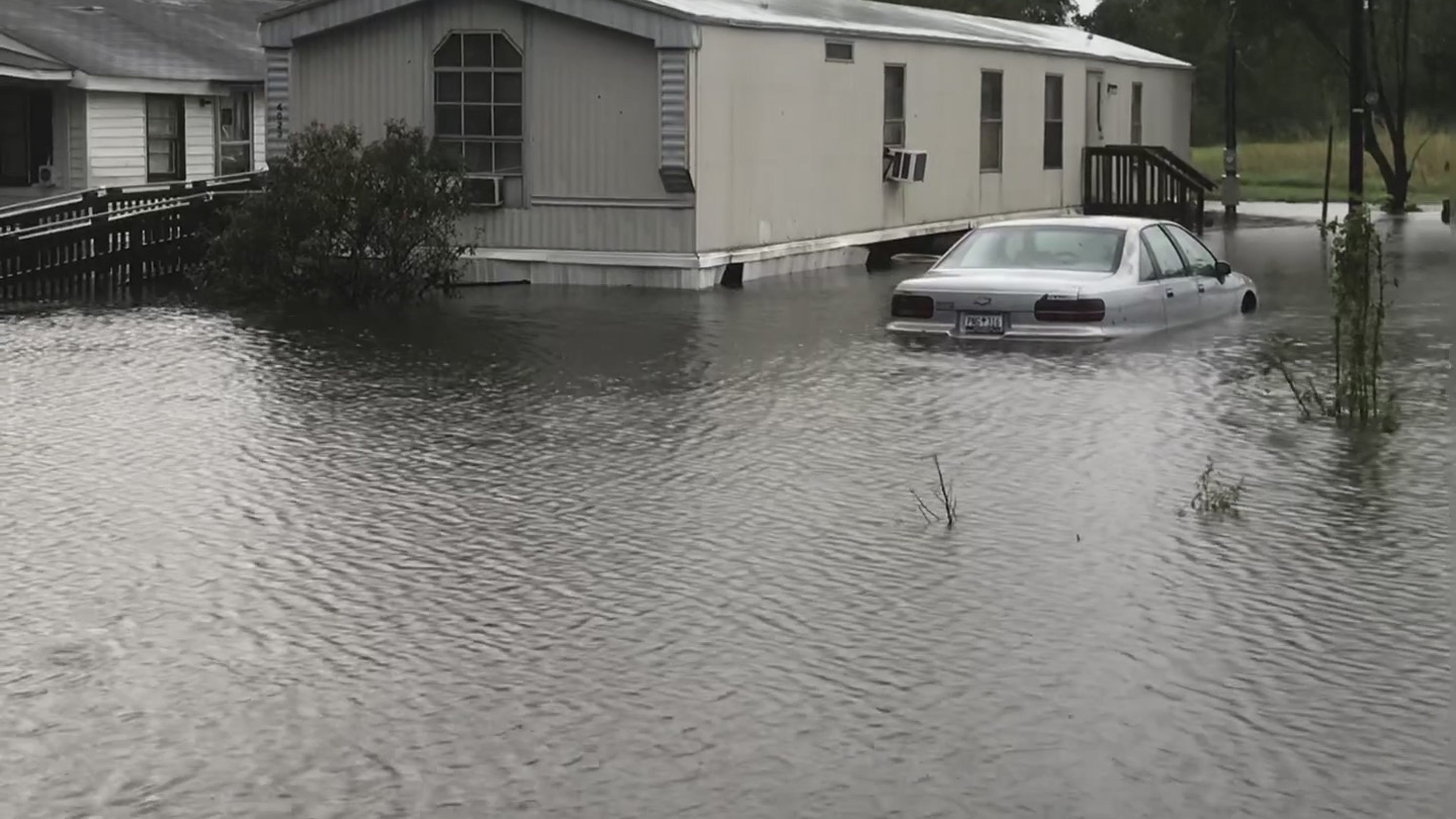 2 women drown in sheriff s van amid florence flood questions remain