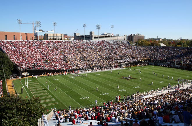 South Carolina plays at Vanderbilt Stadium on Saturday.