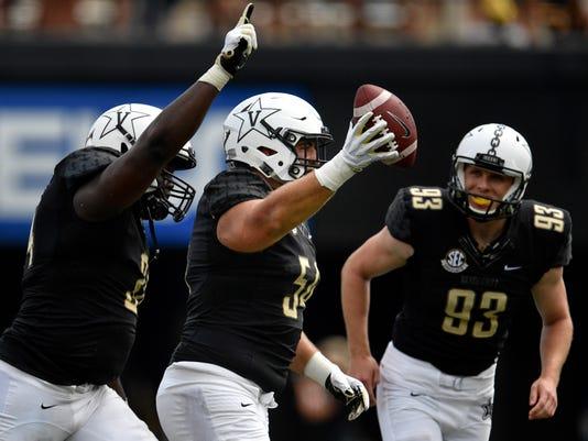 Ncaa Football Nevada At Vanderbilt