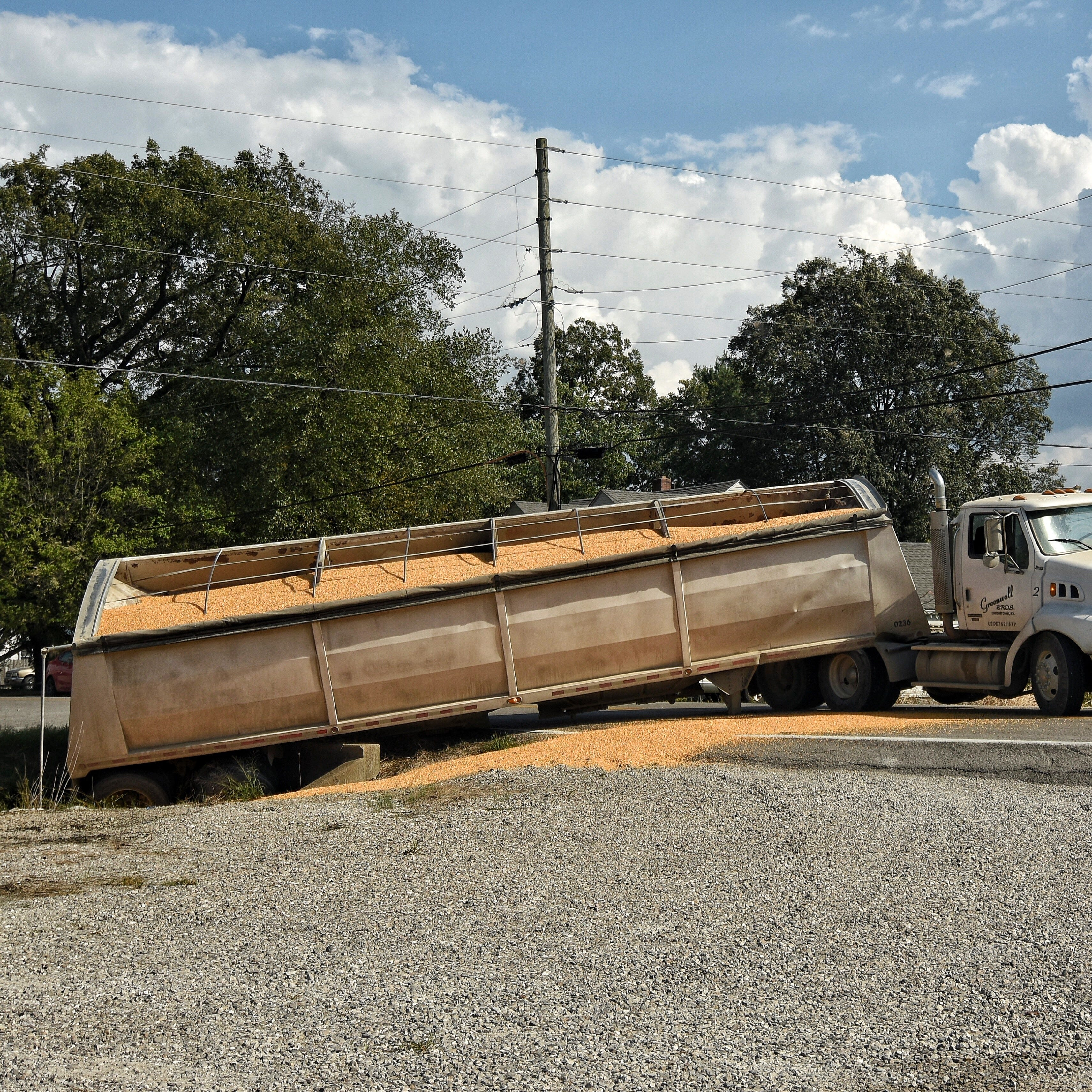 Truck spills grain on Kentucky 136 in Geneva