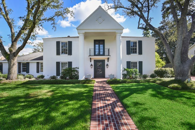 This5 bedroom, 4 and1/2 bath is located at219 Ducharme Lane in Lafayette. It is listed at$1,295,000.