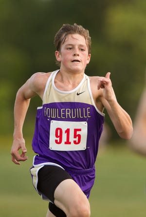 Zachary Curd of Fowlerville ran a personal-best 16:46.3 to win the Stockbridge Invitational, leading the Gladiators to the team championship.