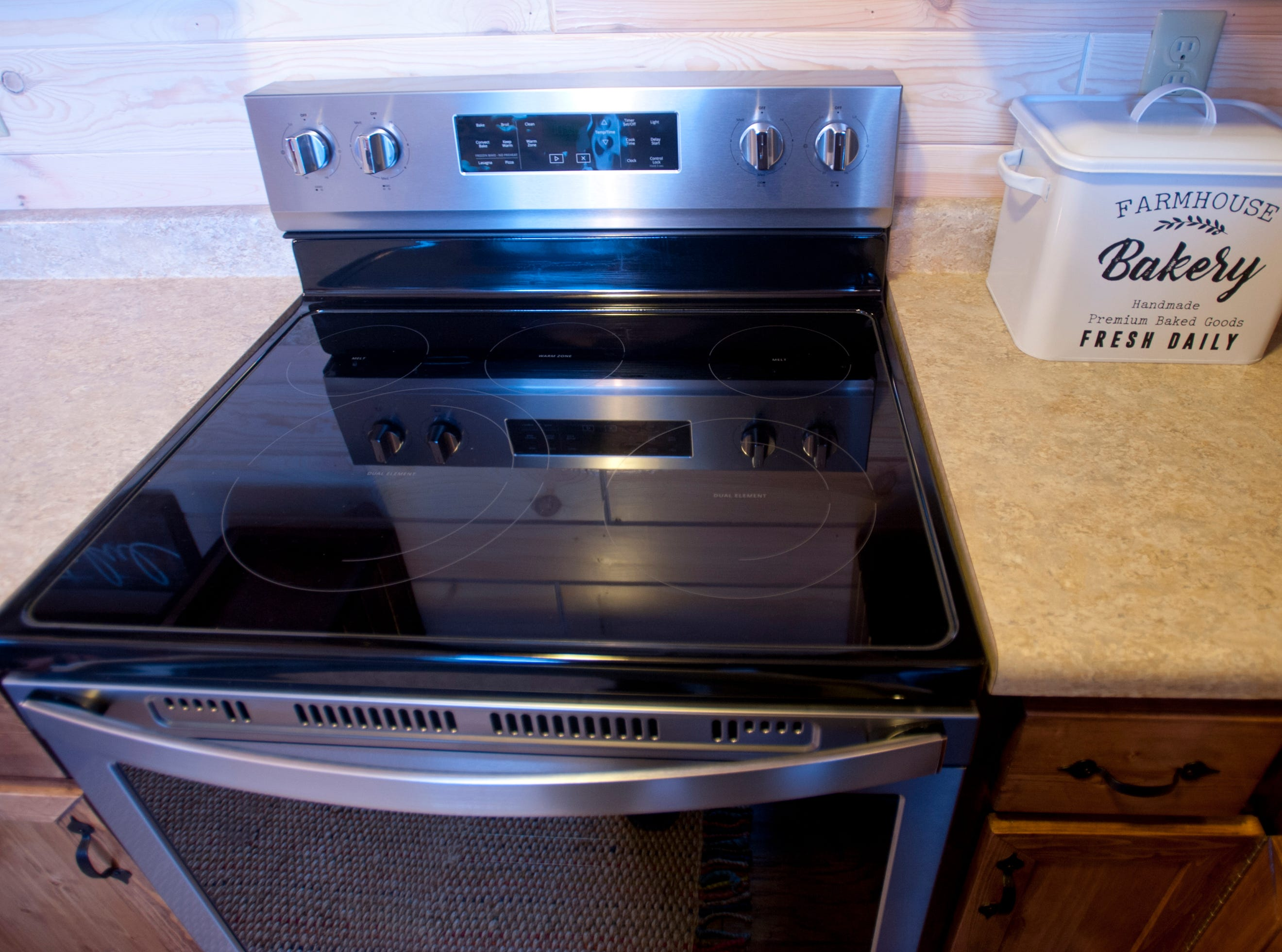 The electric oven in the kitchen.September 10, 2018