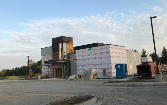 A Klavon's Pizzeria & Pub on two acres of property at 318 W. Kipp Road in Mason across from Meijer, originally scheduled to open this fall, may not open until early 2019, a company official said.