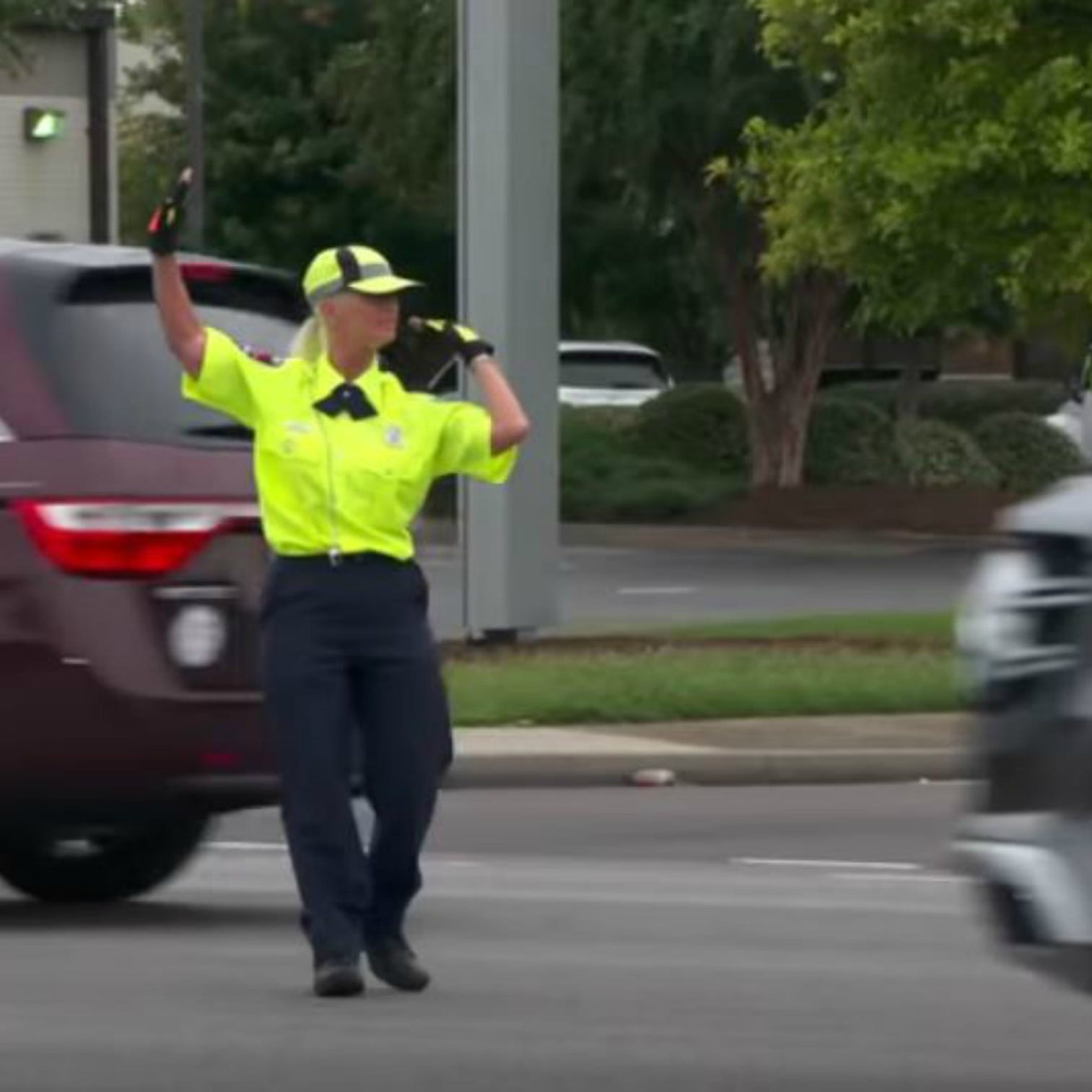 'Pickler and Ben' surprise Middle Tennessee Christian School crossing guard in Murfreesboro