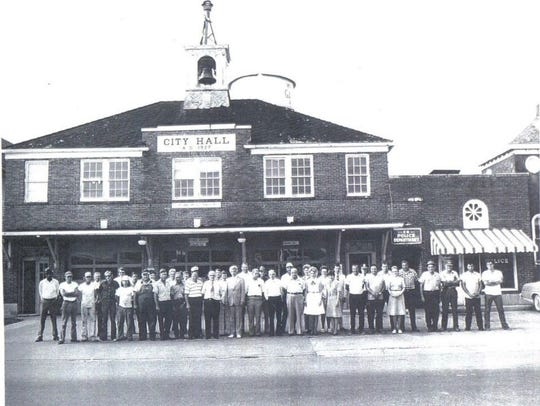 This photograph shows Gallatin's historic bell above the original City Hall building, now occupied by the restaurant Chubb's.