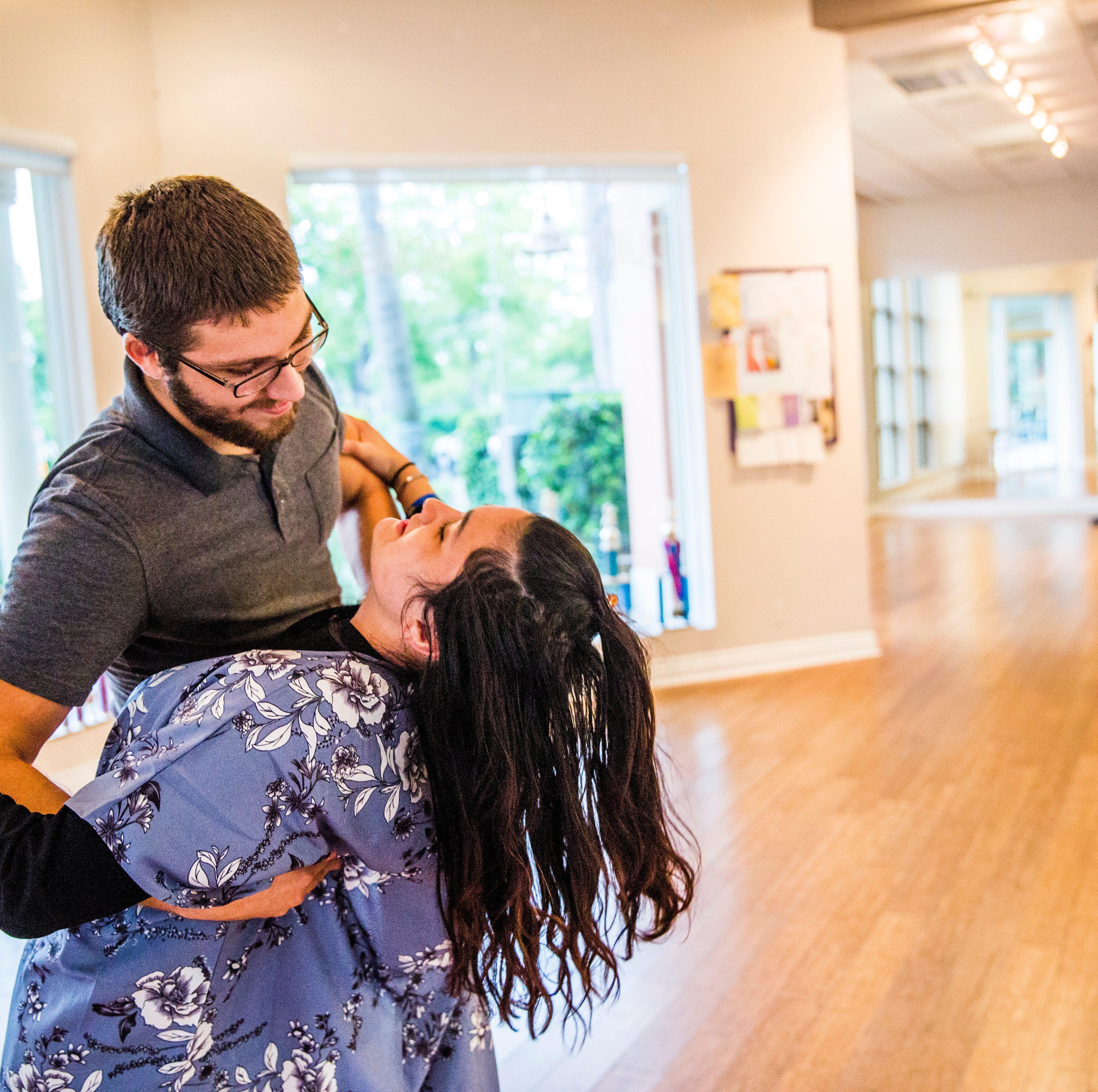 Dance U: The wedding show dance sends Naples-area couples to class