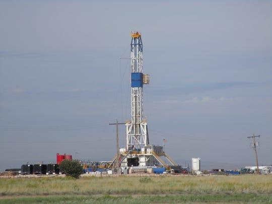 Patterson UTI drilling rig #594.