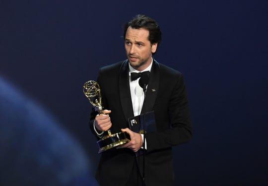 Matthew Rhys se llevó el Emmy a Mejor Actor en una Serie de Drama.