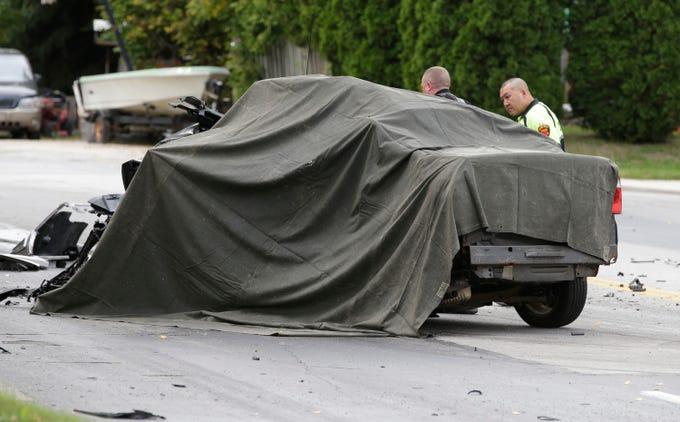 Two-car crash kills two drivers at Pennsylvania near 14th Street