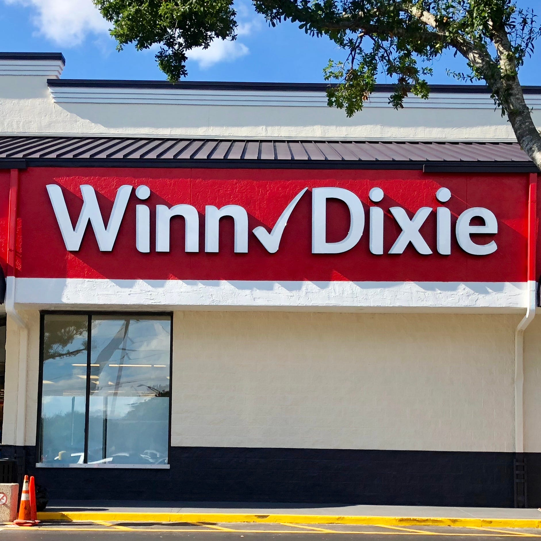 Renovated Winn-Dixie stores in St. Lucie celebrate with events and giveaways