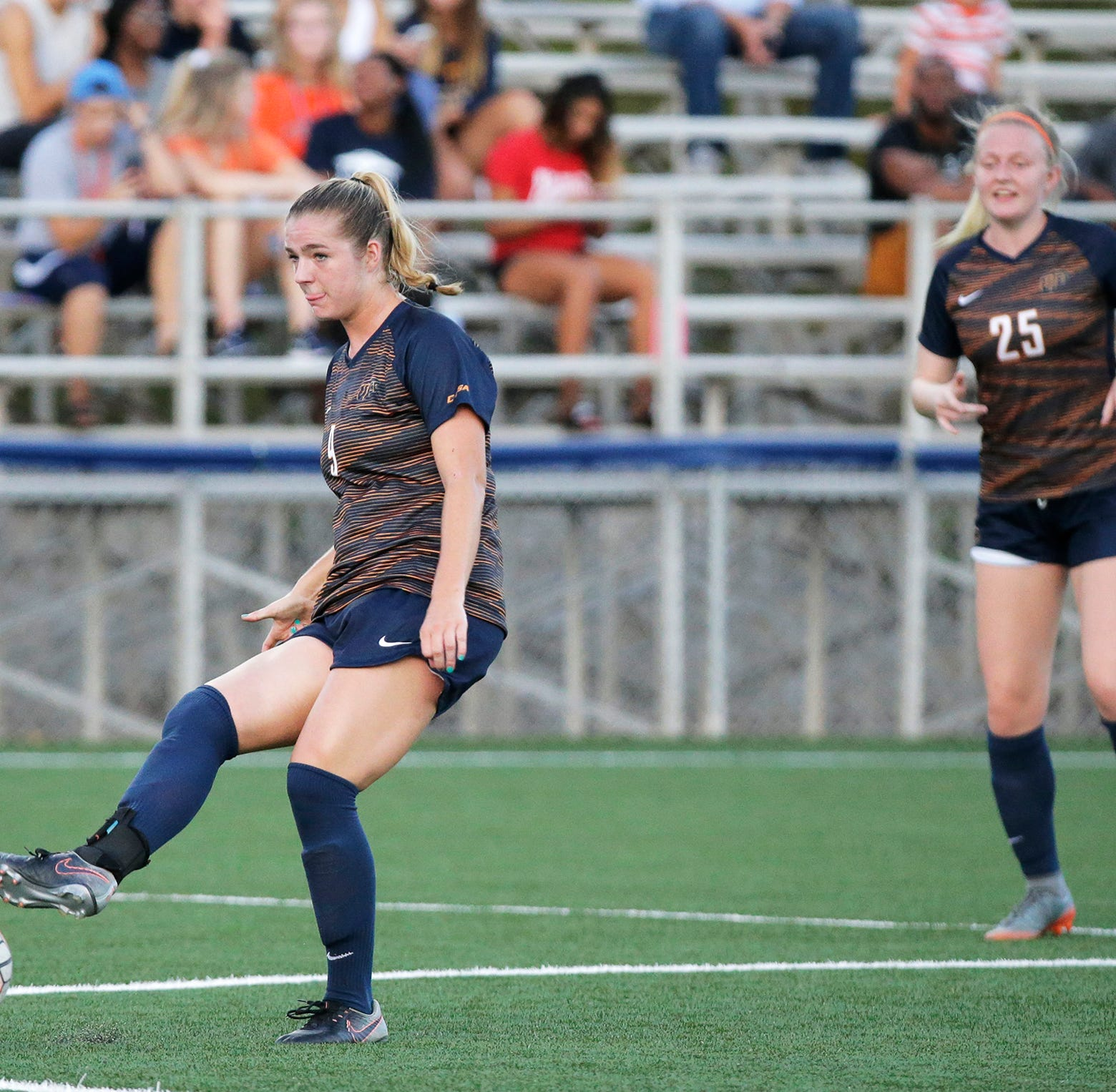 UTEP soccer raises awareness of breast cancer; mission is personal for coach