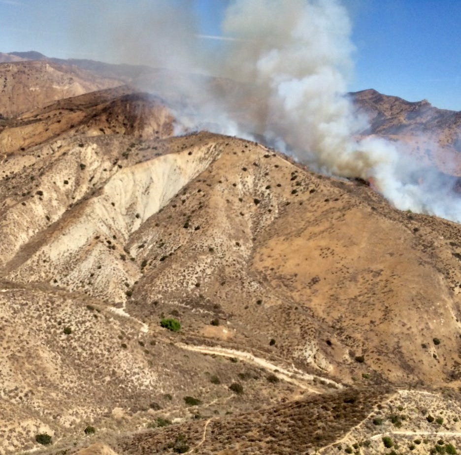 Crews respond to brush fire in Simi Valley's Las Llajas Canyon