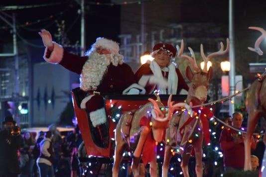 Vineland Christmas Parade - Santa and Mrs. Claus